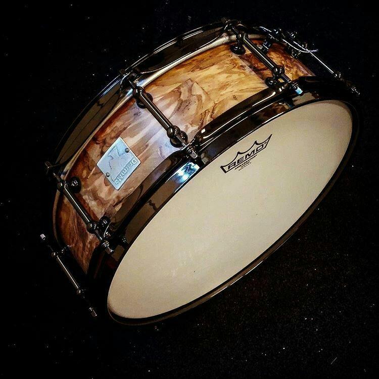 drumma-batterie-rullanti-artigianali-liuteria-doghe-orizzontali-legno-massello-rullante-14-x-4,5-ulivo-evo-funk-milano
